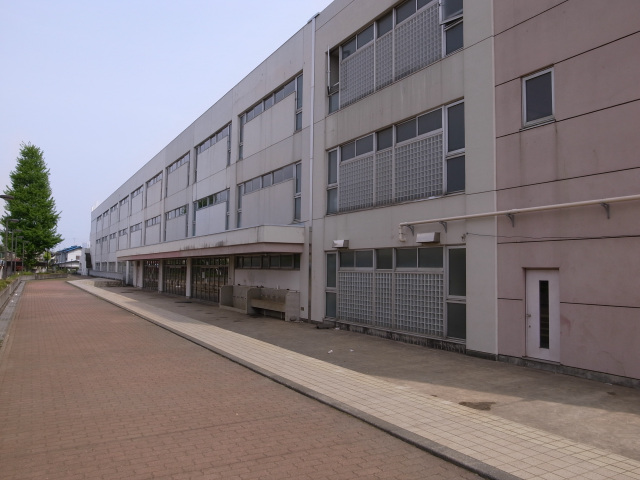 都立豊多摩高校校舎