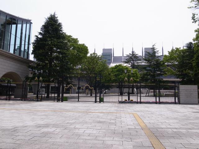 東京競馬場 正門