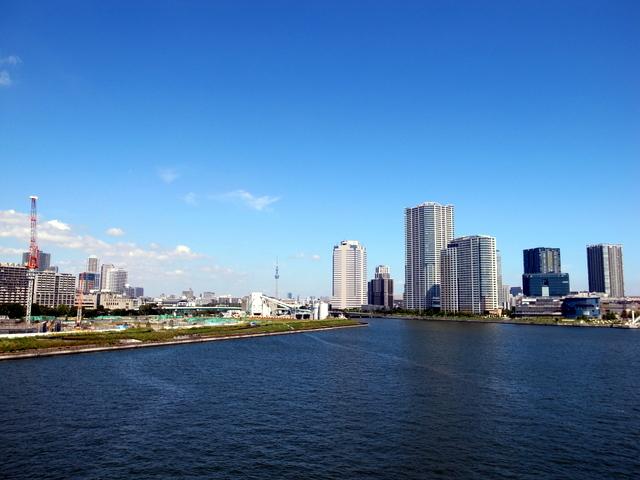 晴海大橋から臨む東京スカイツリー