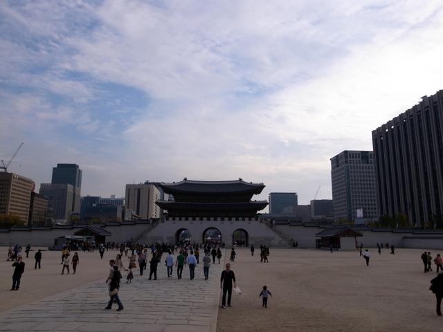 光化門(クァンファムン、광화문)