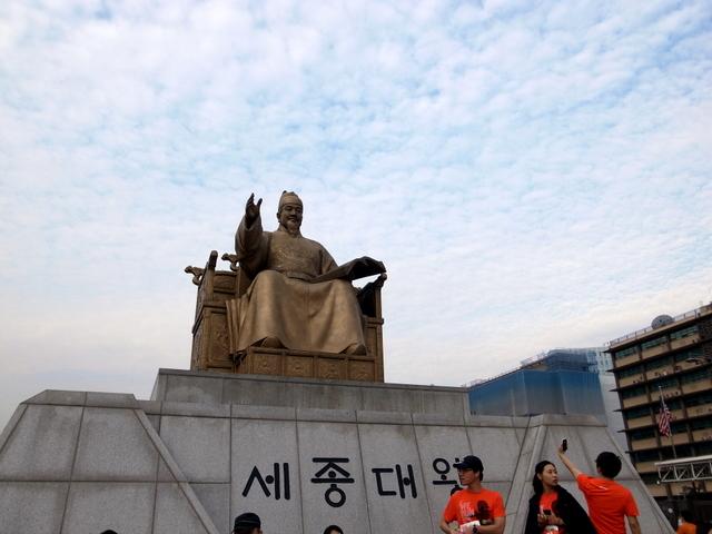 光化門広場 世宗大王銅像