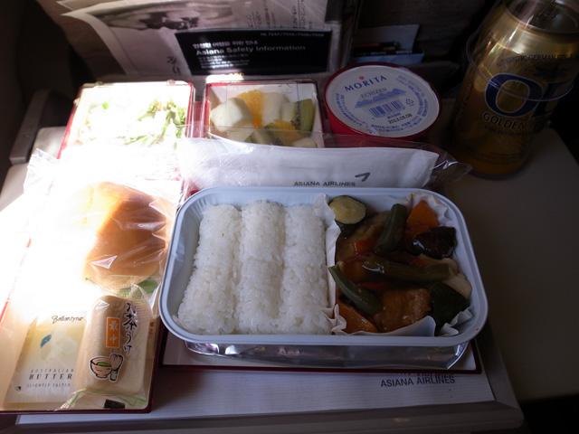 アシアナ航空往路機内食